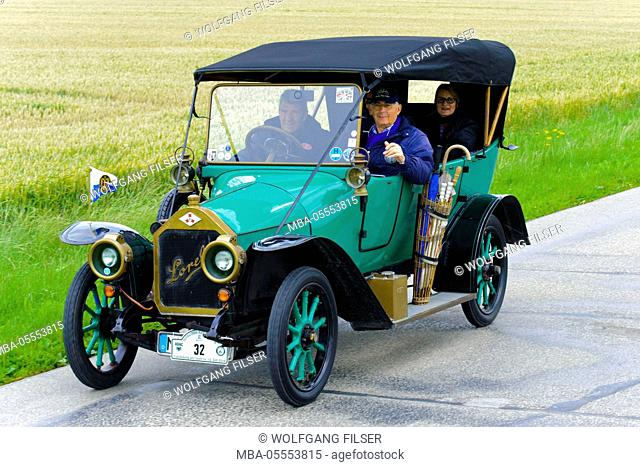 Old-timer rally 'Herkomer contention' in Landsberg in Lech for at least 80 year-old cars, here close Loreley LA4, year of manufacture in 1913