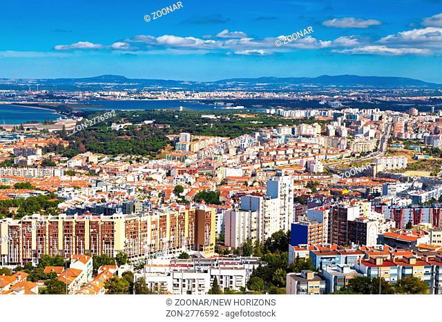 Portugiesische Stadt Almada bei Lissabon