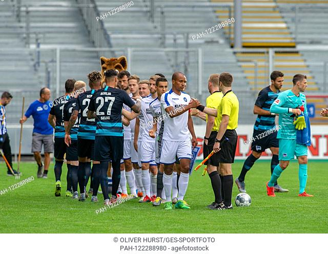 The game begins. GES / football / KSC blitz tournament: Karlsruher SC - Hertha BSC Berlin, 13.07.2019 Football / Soccer: Short time Tournament: Karlsruhe vs...