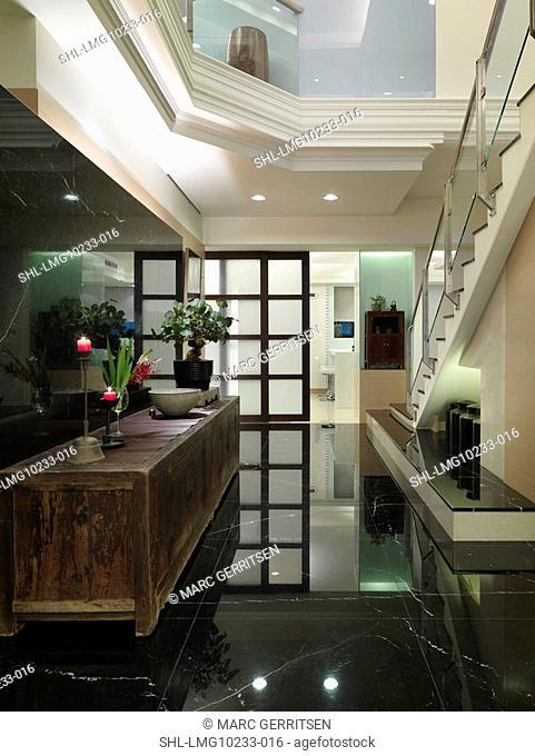 Open foyer in multiple story home