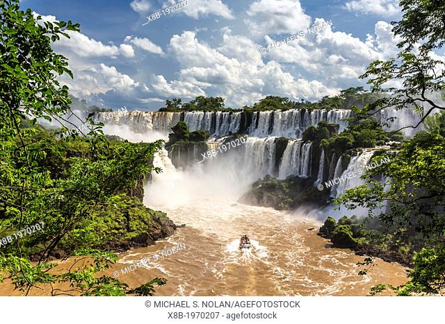 A view of Iguazú Falls from the lower trail, Iguazú Falls National Park, Misiones, Argentina, South America