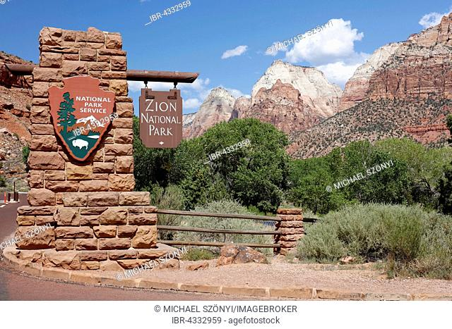 Entrance with entrance sign to the Zion National Park, Utah, USA