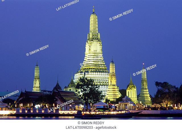 Wat Arun. Temple of Dawn. Night. Illuminations
