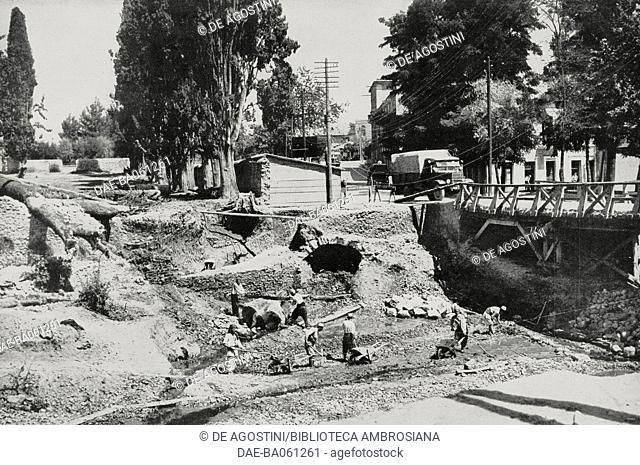 Roadworks carried out in Durazzo, Albania, from L'Illustrazione Italiana, 1940. DeA / Veneranda Biblioteca Ambrosiana, Milan