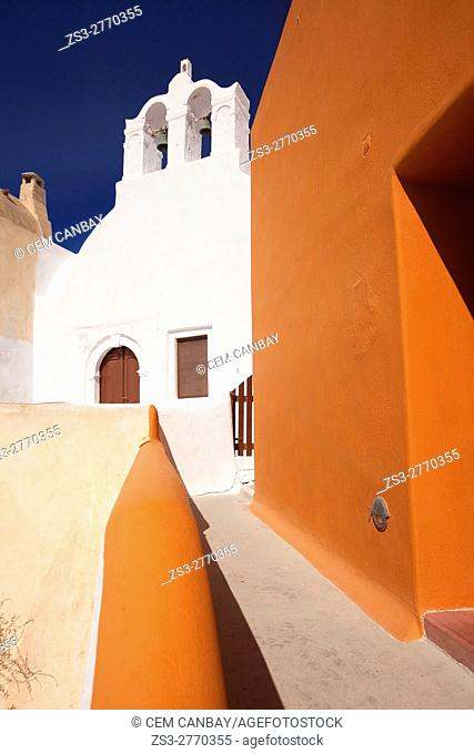 White church in Oia town, Santorini, Cyclades Islands, Greek Islands, Greece, Europe
