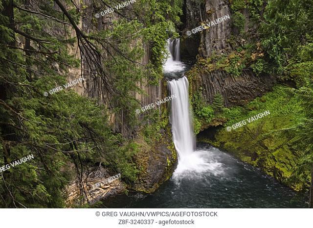 Toketee Falls, North Umpqua River, Cascade Mountains, Oregon
