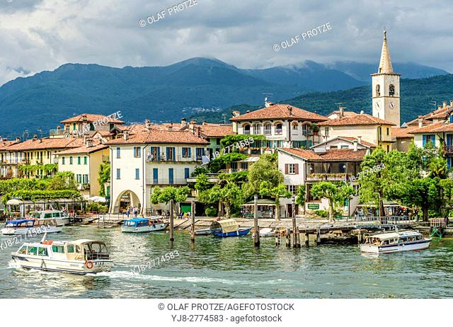 Isola dei Pescatori at Lago Maggiore, seen from the lakeside, Piemont, Italy