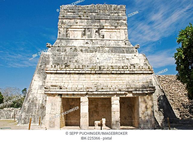 Entrance to the Juego de Pelota ballcourt of the Mayas Chichen Itza Mexico