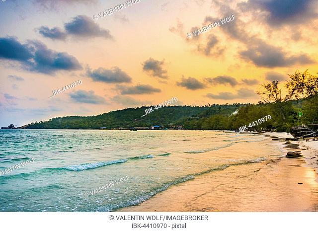 Idyllic sandy beach with turquoise water at sunset, Koh Tui Beach, Kaoh Touch Village, Koh Rong, Sihanoukville, Krong Preah Sihanouk, Cambodia