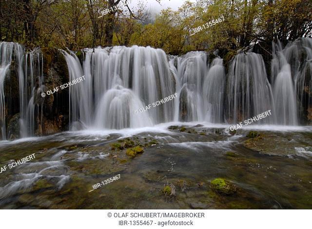 Autumn mood at the Panda waterfalls, Jiuzhaiguo Valley, Jiuzhaiguo National Park, Sichuan, China, Asiaan, China, Asia
