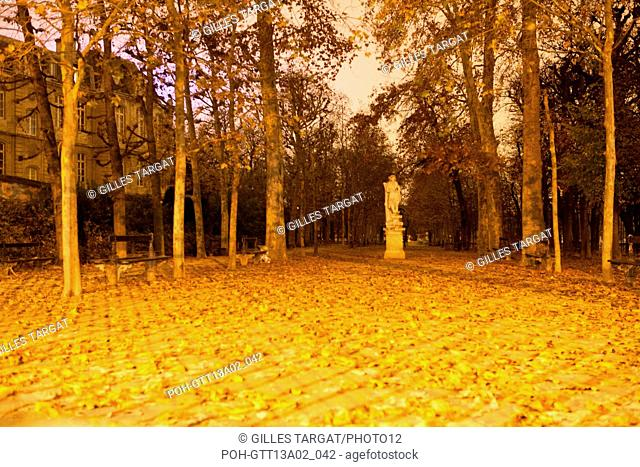france, ile de france, paris, 6e arrondissement,boulevard saint michel, jardin du luxembourg, nuit, Photo Gilles Targat