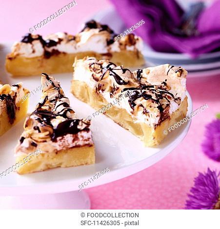 PEAR CAKE WITH CHOCOLATE SAUCE