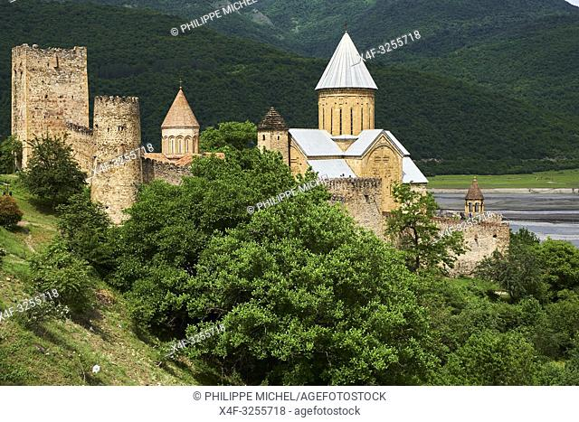 Georgie, Ananouri, monastère et forteresse d'Ananouri / Georgia, Ananouri, monastery and fortress