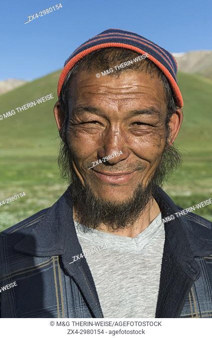 Kyrgyz nomad, Song Kol Lake, Naryn province, Kyrgyzstan, Central Asia