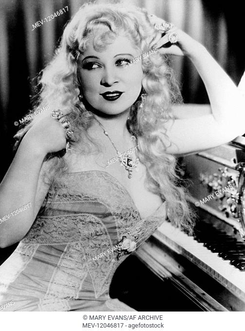 Mae West Actress 01 May 1934