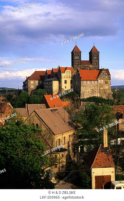 Europe, Germany, Saxony-Anhalt, Quedlinburg, castle hill and the collegiate church of St. Servatius