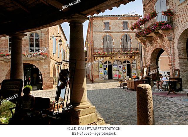 Small village of Auvillar. Garonne valley. France