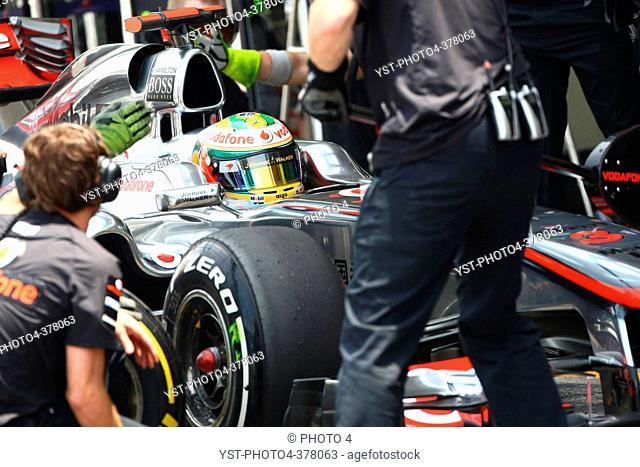 26.11.2011- Saturday Practice, Lewis Hamilton GBR, McLaren Mercedes, MP4-26