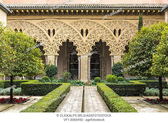 Patio of Saint Isabel, Aljaferia palace, Zaragoza, Aragon, Spain, Europe