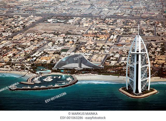 Burj Al Arab in Dubai aus der Luft