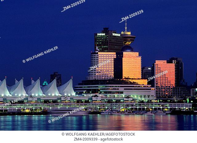 CANADA, BRITISH COLUMBIA, VANCOUVER, VIEW OF DOWNTOWN AT NIGHT, CRUISE SHIP TERMINAL