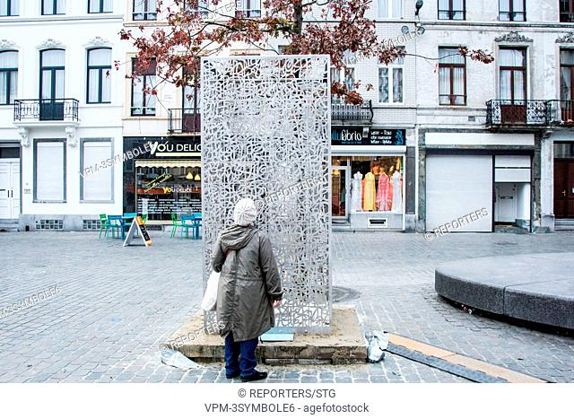 Belgium, Brussels, Nov 13, Molenbeek: art to pay tribute to the victims of the attacks, Molenbeek, The Molenbeek artist Moustapha Zoufri created a sculpture in...