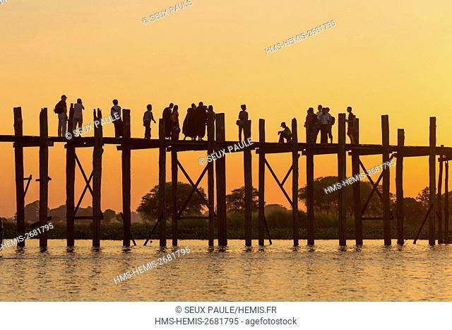 Myanmar (Burma), Mandalay district, Amarapura, U Bein bridge