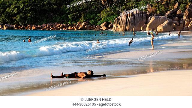 split level, Anse Lazio, Baie Sainte Anne district, Island of Praslin, Seychelles, Indian Ocean, Africa