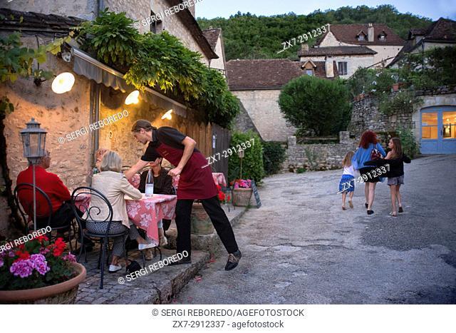 Bars and restaurants in Saint Cirq Lapopie, Midi Pyrénées, Lot, France. Le Gourmet Quercynois