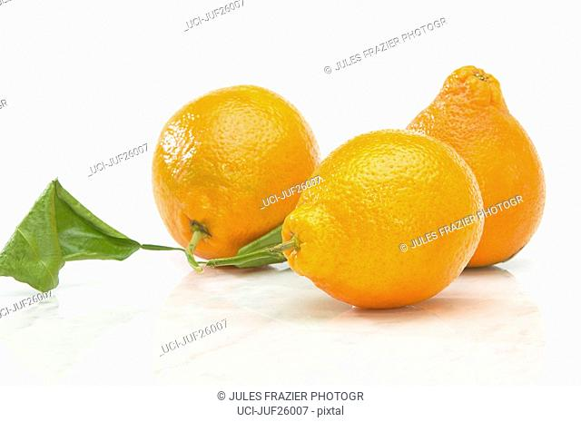 Oranges with stem