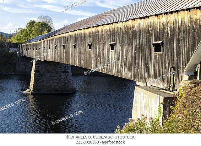 Cornish-Windsor Covered Bridge over the Connecticut River linking New Hampshire and Vermont, Looking toward Vermont