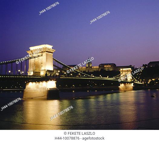 10078876, Budapest, castle palace, Danube, suspension bridge, at night, Hungary, Europe