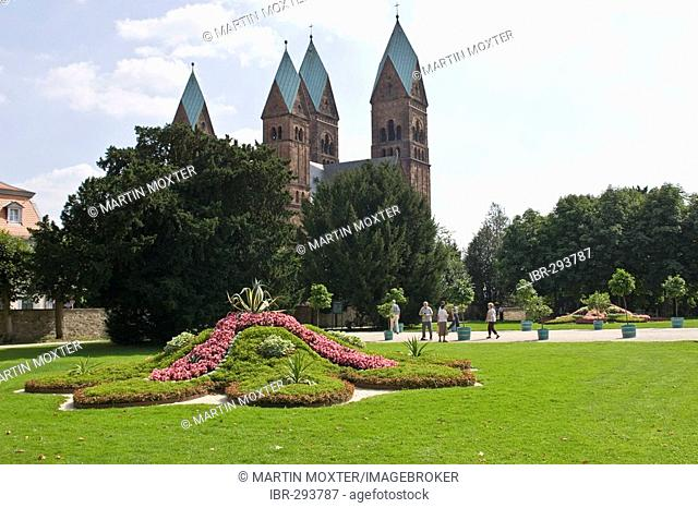 Park of the former residency with view of the Erloeserkirche, Schloss Bad Homburg, Hesse, Germany