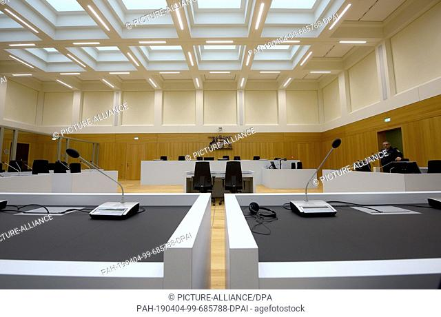 04 April 2019, Baden-Wuerttemberg, Stuttgart: One week before the first trial, a new courtroom of the Higher Regional Court in Stammheim is presented