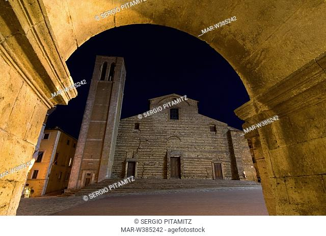 piazza grande cathedral, montepulciano, val d'orcia, tuscany, italy
