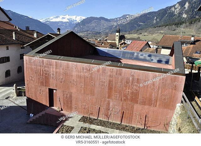 Songwirter/Singer Lino Bardills Beton-Monolith in the swiss farmer village Scharans in canton Graubünden