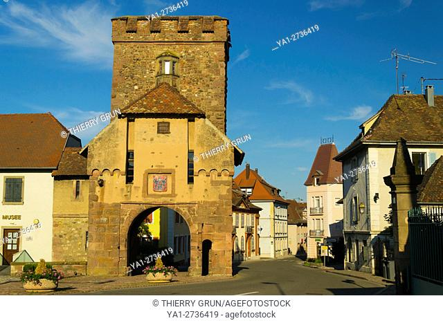 France, Haut-Rhin (68), Cernay village, Medival city gate