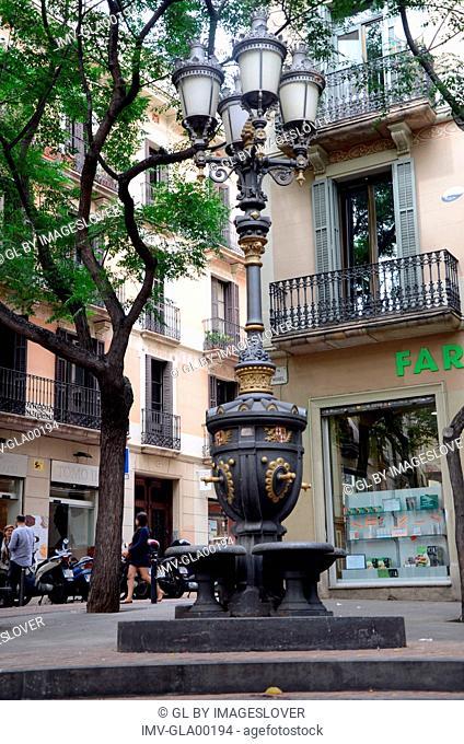 Streetlights, Barcelona, Spain