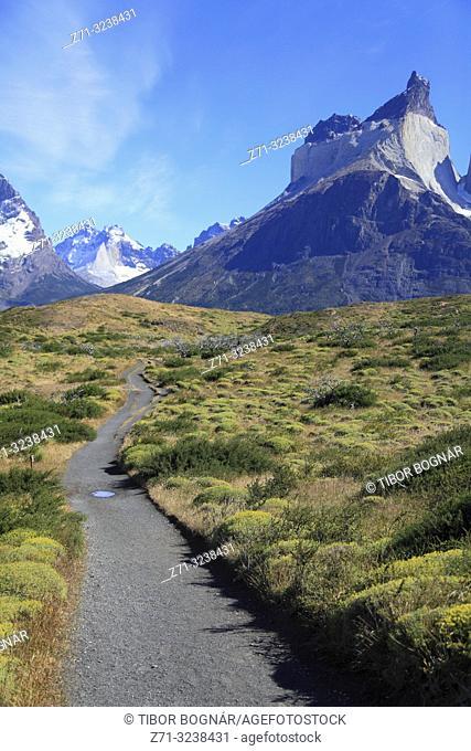 Chile, Magallanes, Torres del Paine, national park, Aleta de Tiburon, Cuernos del Paine, footpath,