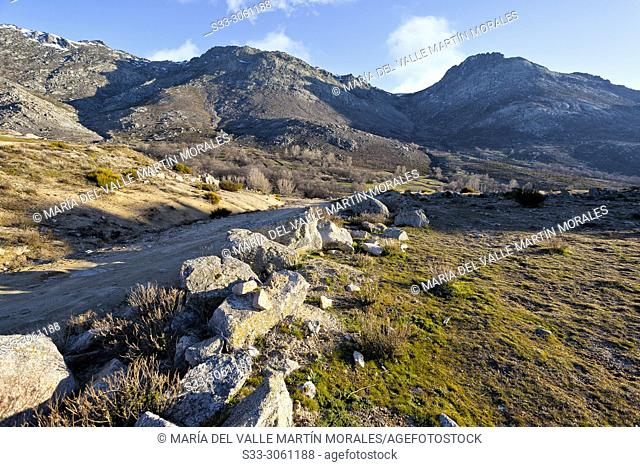 Road to Sierra Paramera and Knife pass and Cabrera cliff. Navandrinal. Avila. Spain