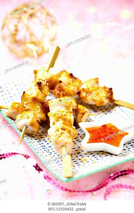 Chicken satay skewers with chilli sauce (Christmas)