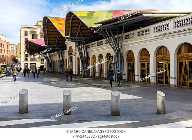 Europe, Spain, Barcelona, Mercat de Santa Caterina, Market Holy Catherine is the latest market built in Barcelona. Totally renovated in 2005 with brilliance by...