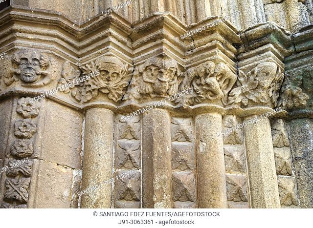 Detail of the portico. Iglesia de Santa Maria. Jaraiz de la Vera. Caceres Province, Extremadura, Spain