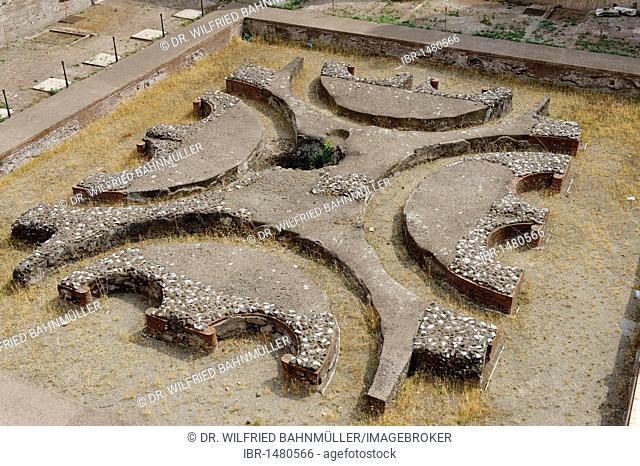 Palatine Hill, cortile quadrato, Domus Augustana, part of the Palace of Domitian, Palazzo di Domiziano, ancient Rome, Rome, Lazio, Italy, Europe