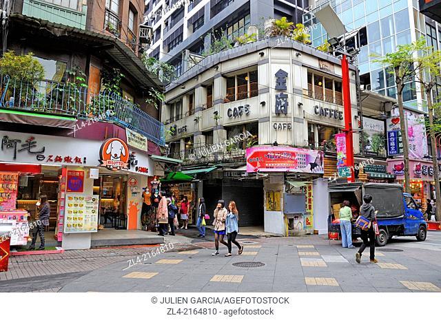Street and shops. Taiwan (China), Taipei, Ximending district