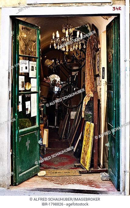 Junk shop in Florence, Tuskany, Europe