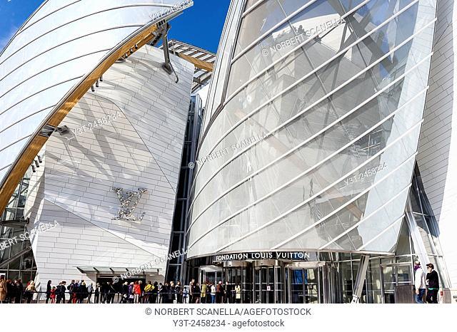 Europe, France, Paris. Fondation Louis Vuitton conceived by architect Frank O. Gehry in Paris, Bois de Boulogne