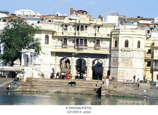 Gangaur 'ghat' and Pichola lake. Udaipur. Rajasthan, India