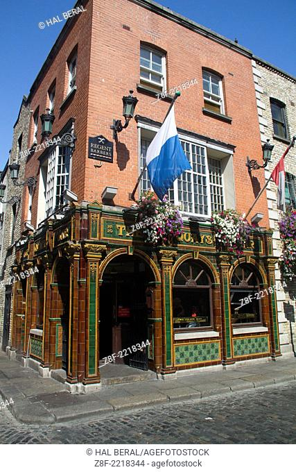 Temple Bar area is home to many pubs, some of whom feature live entertainment