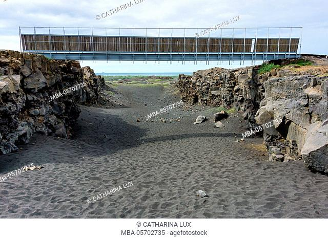 Bridge between the continents, crack between North American and European continental plate